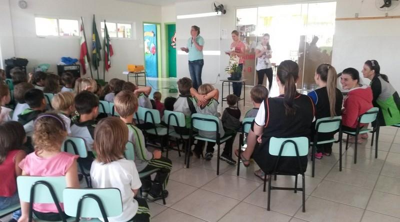 ESF da Vila Nova faz trabalho de prevenção ao mosquito Aedes aegypti em escolas (3)