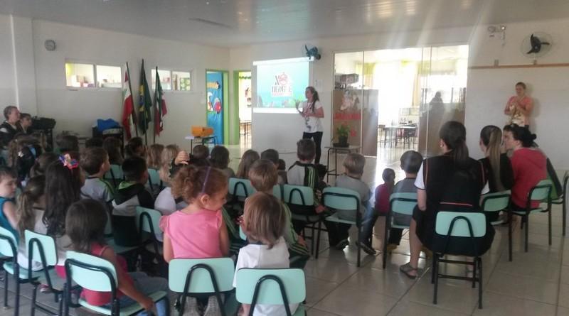 ESF da Vila Nova faz trabalho de prevenção ao mosquito Aedes aegypti em escolas (5)