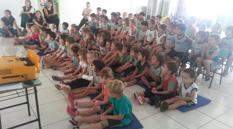 ESF da Vila Nova faz trabalho de prevenção ao mosquito Aedes aegypti em escolas (6)