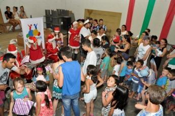 Circo Social realiza entrega de presentes em comunidades de Rio Negro e Mafra (20)