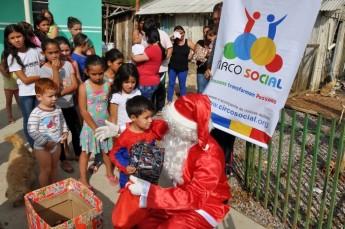 Circo Social realiza entrega de presentes em comunidades de Rio Negro e Mafra (21)