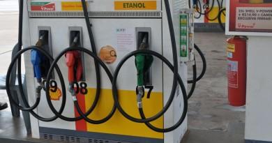 Maia e Eunício anunciam acordo com o governo federal para 'zerar' tributos de combustíveis
