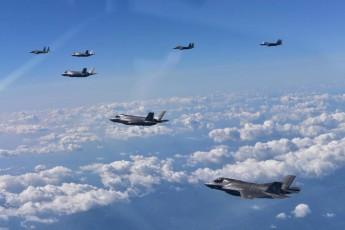 Caças americanos: Coreia do Norte se opõe fortemente aos exercícios militares e os vê como uma preparação para uma invasão (Republic of Korea Air Force/Reuters)