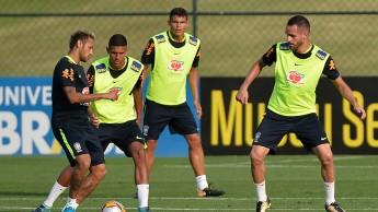 neymar-em-atuacao-no-treino-da-selecao-brasileira-na-granja-comary-1506974080893_1920x1080