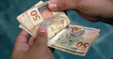 Decreto que antecipa 13º salário para aposentados é publicado
