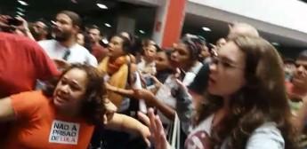Repórter é agredido no Sindicato dos Metalúrgicos do ABC, onde Lula está Foto: Ricardo Galhardo/Estadão