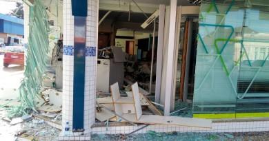 Caixeiros explodem agência bancária em Rio Negro
