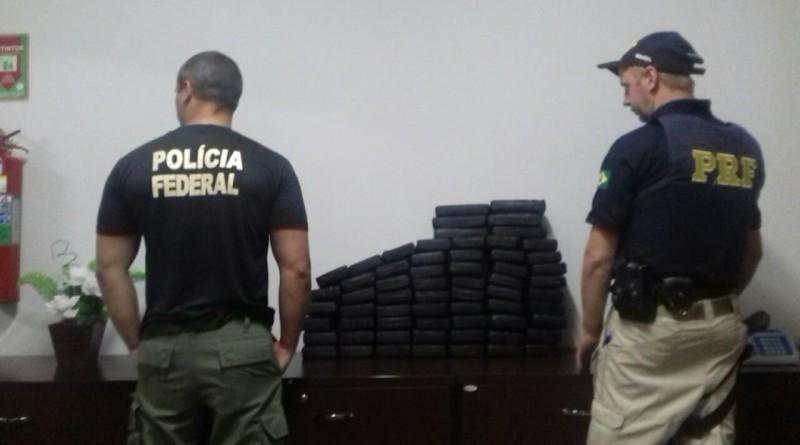 PRF e PF apreendem 67 quilos de cocaína em Ponta Grossa, a droga viria para Rio Negro (PR)
