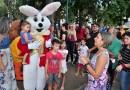 Circo Social levou o Coelhinho e diversas personagens na Feira de Páscoa