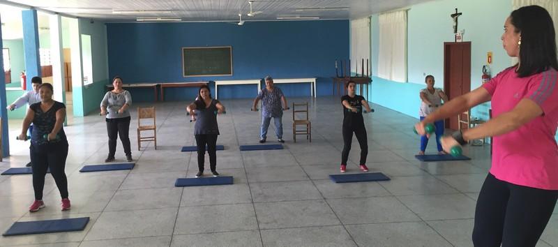 Exercícios com fisioterapeuta