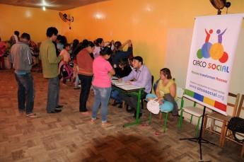 Circo Social realiza doações e cadastramento de famílias em Mafra (3)